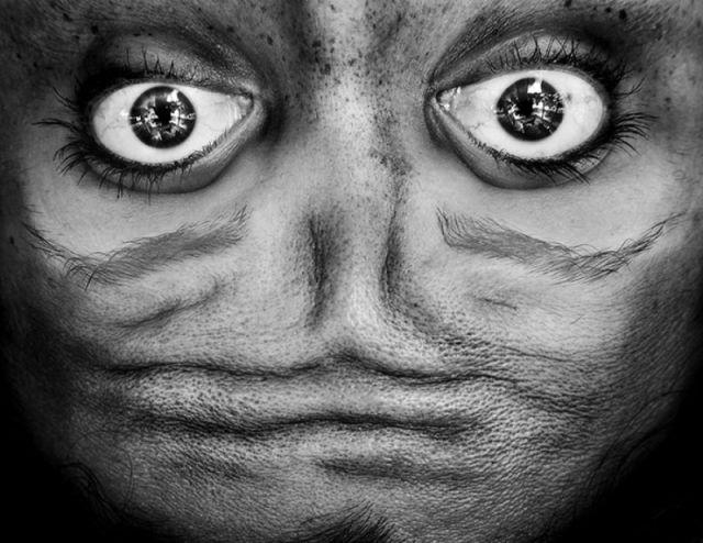 Ces portraits à l'envers ressemblent étrangement à des aliens ! 2