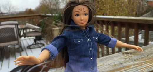 """Découvrez la """"Barbie normale"""" de 19 ans : enfin une poupée aux bonnes proportions, qui peut avoir de l'acné, des vergetures ou des tatouages 6"""