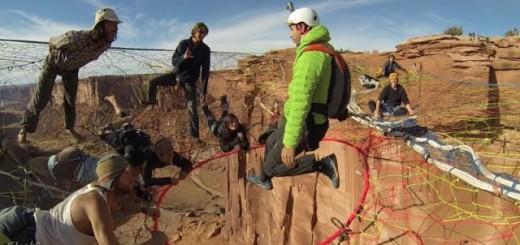 Base Jump : ils sautent à 400 m de haut à partir d'une toile au beau milieu du vide ! 14