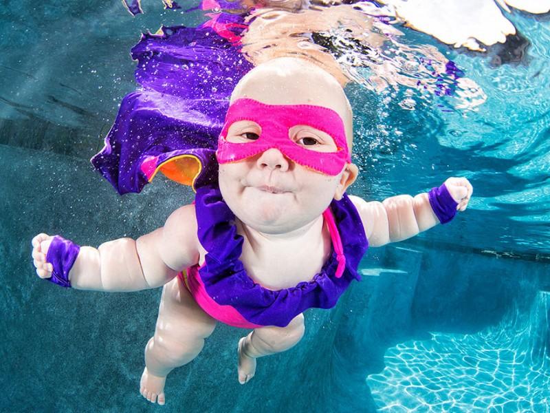 bebe sous l'eau 1