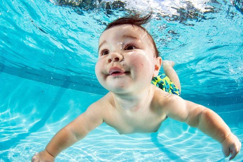 bebe sous l'eau 12