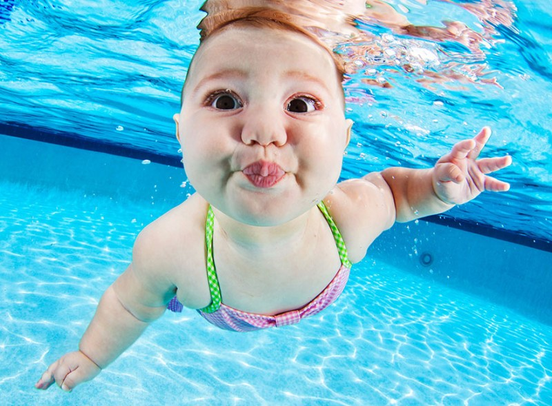 bebe sous l'eau 2