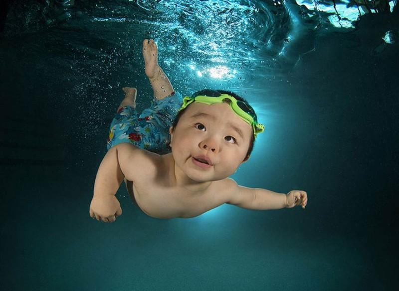 bebe sous l'eau 8