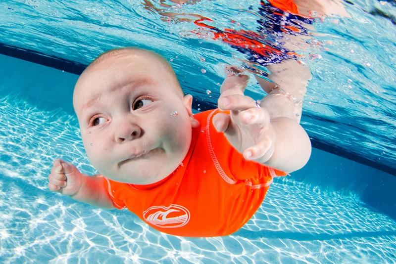 bebe sous l'eau 9