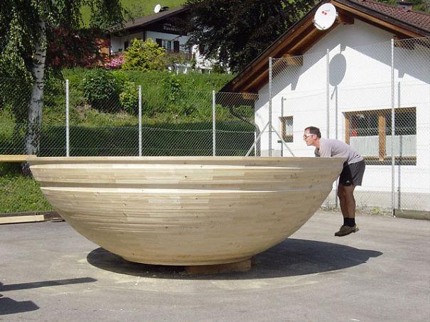 le plus grand bol en bois. Black Bedroom Furniture Sets. Home Design Ideas