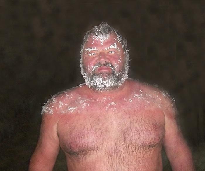 Incroyable concours de cheveux gelés dans des sources d'eau chaude au Canada 2