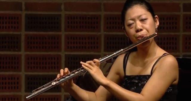 EXTRA : cette flûtiste japonaise est imperturbable ! 3