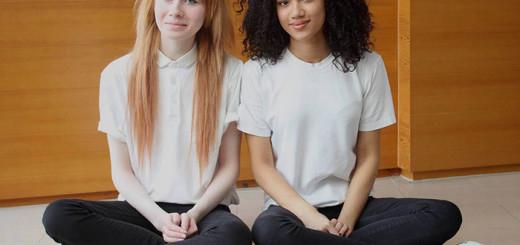 INCROYABLE : ces deux filles sont de vraies jumelles ! 5