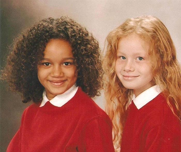 INCROYABLE : ces deux filles sont de vraies jumelles ! 9