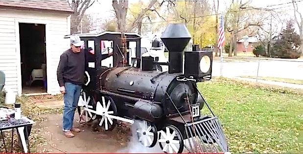 INVENTION : La locomotive barbecue.