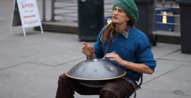 EXCLU : Un instrument improbable, ce mec est génial