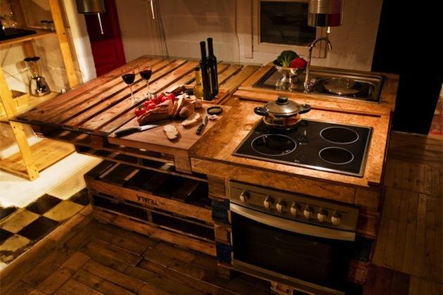 deco les palettes s 39 invitent dans votre cuisine. Black Bedroom Furniture Sets. Home Design Ideas