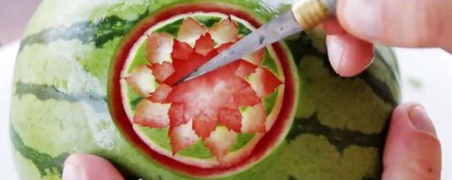 ART créatif avec une pastèque.
