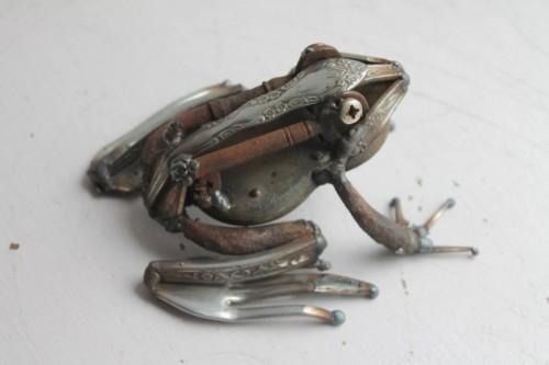 sculpture-metal-chakipet1