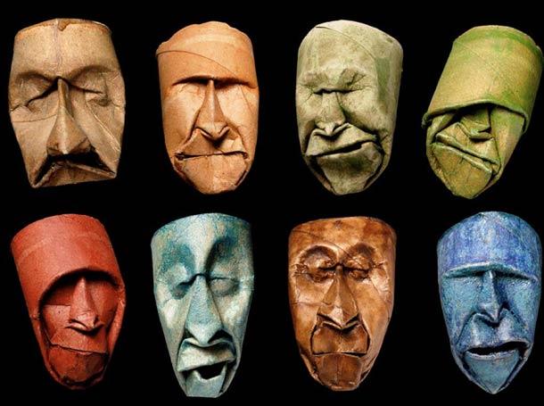 Des visages sculptés sur des rouleaux de papier toilette 4