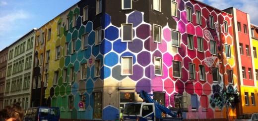 STREET ART : un immeuble en Allemagne coloré en nid d'abeille en 13 photos 7